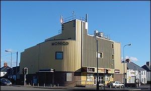 _monicofront300